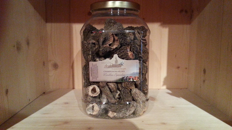 Très grosses morilles noires spéciales (morchella conica)